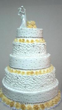 Wedding cake with gold decorations