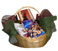Basket with 3 bottle of Wine and Chocolates